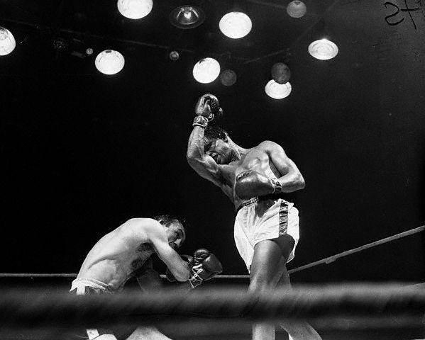 Uppercut vs Carmen Basilio Sugar Ray